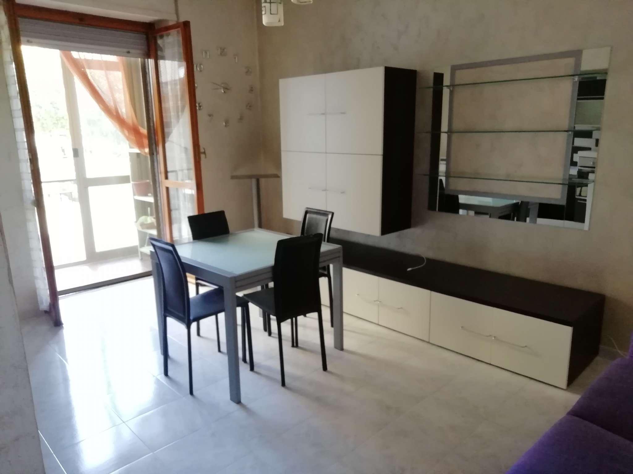 Appartamento in vendita a Chivasso, 3 locali, prezzo € 85.000   CambioCasa.it
