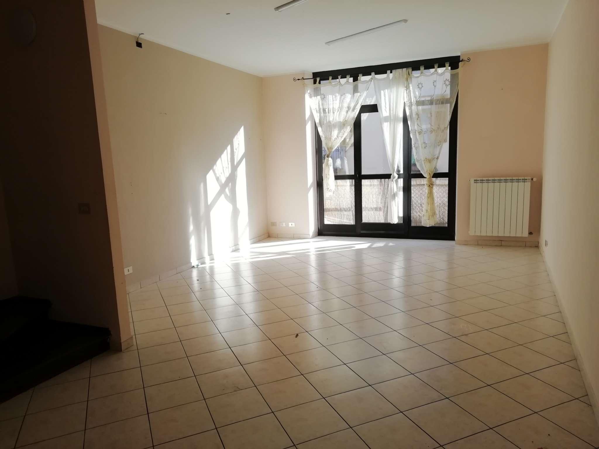 Appartamento in affitto a Chivasso, 4 locali, prezzo € 550 | PortaleAgenzieImmobiliari.it