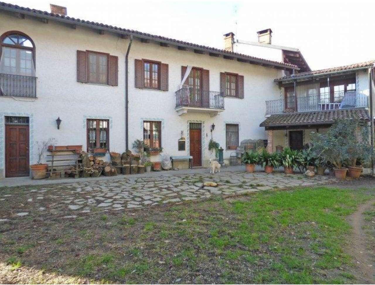 Casa Indipendente in buone condizioni in vendita Rif. 6218067