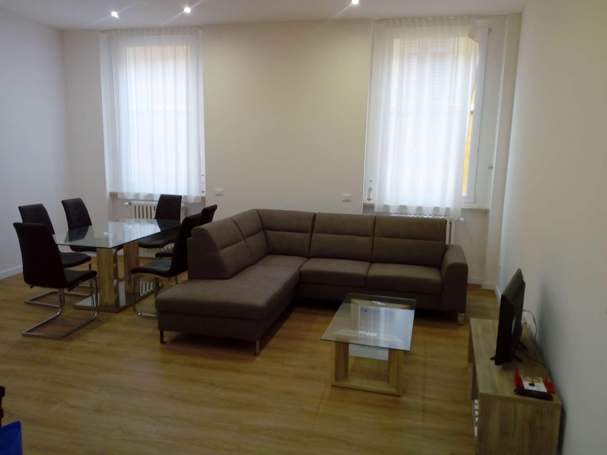 Appartamento in affitto a Modena, 5 locali, prezzo € 1.600 | CambioCasa.it