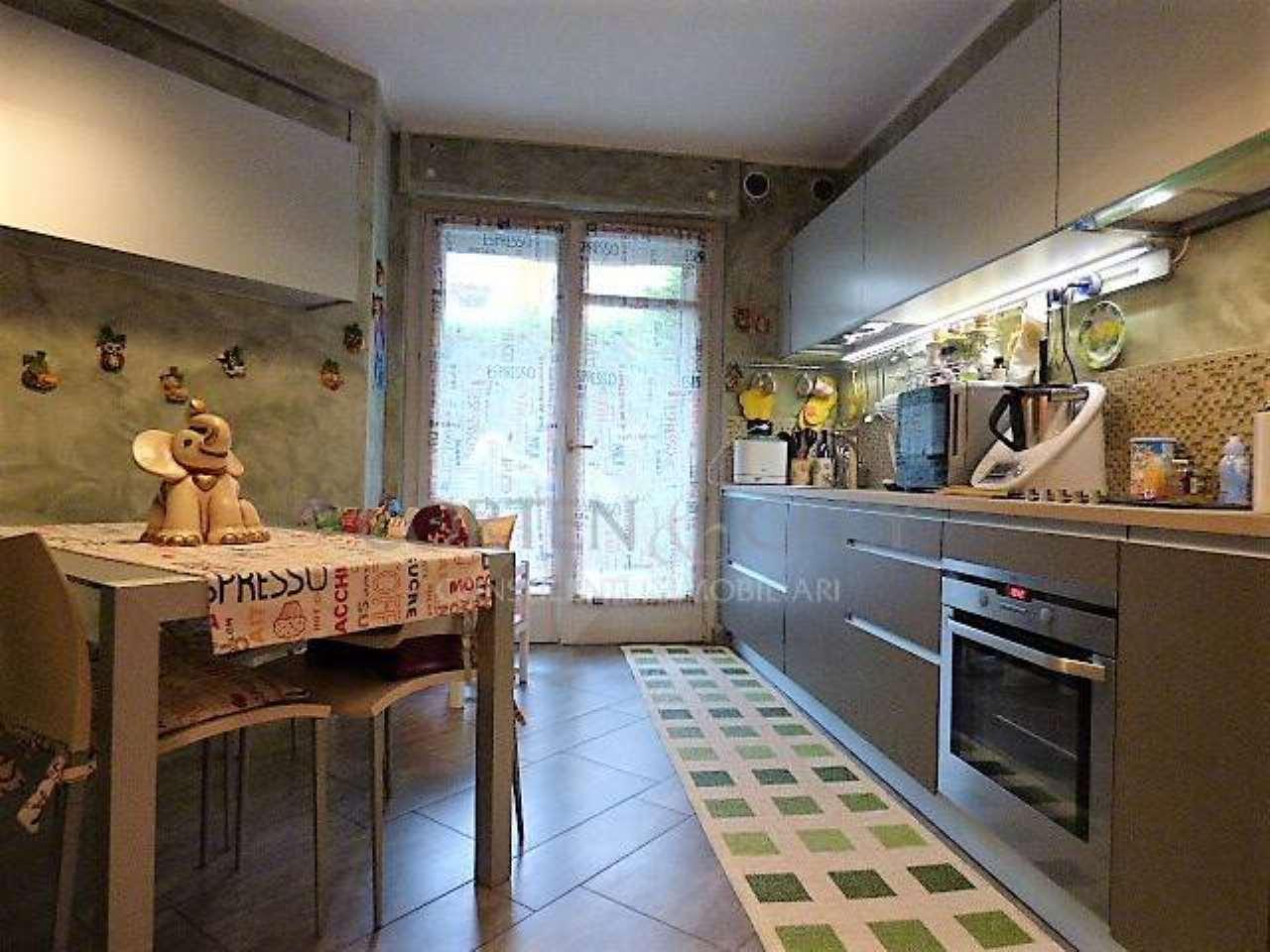 Appartamento in ottime condizioni in vendita Rif. 5304454