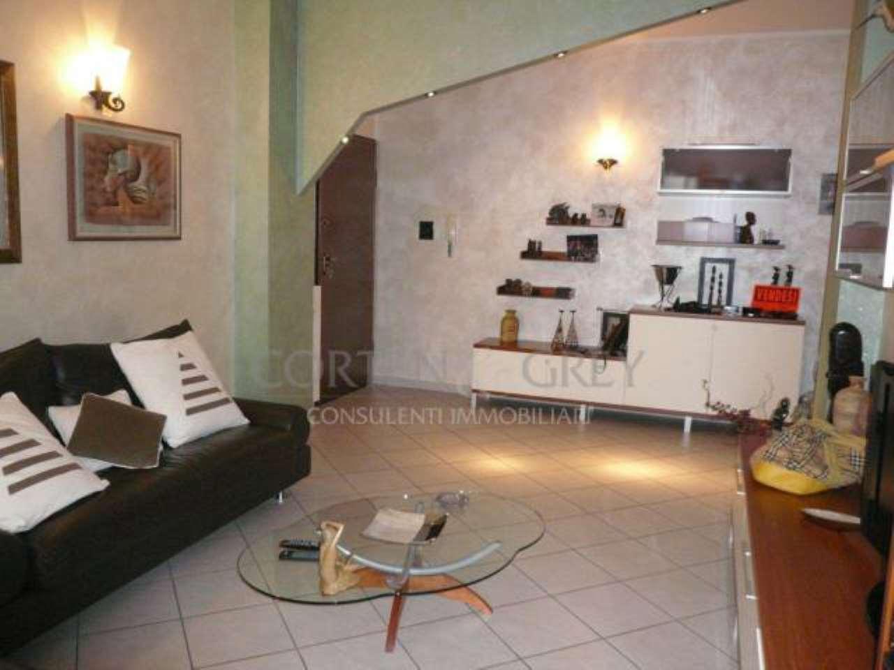 Appartamento in ottime condizioni in affitto Rif. 5304465