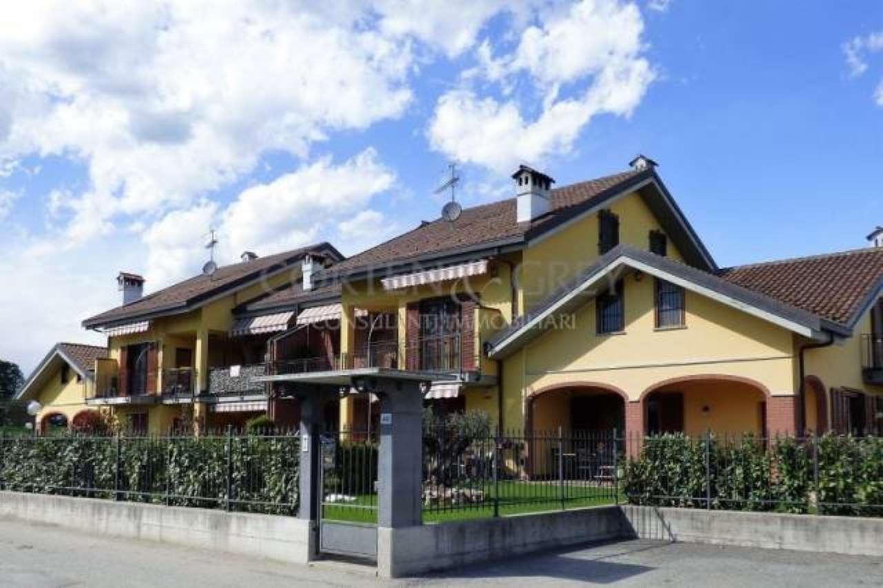 Appartamento in buone condizioni in vendita Rif. 5304493