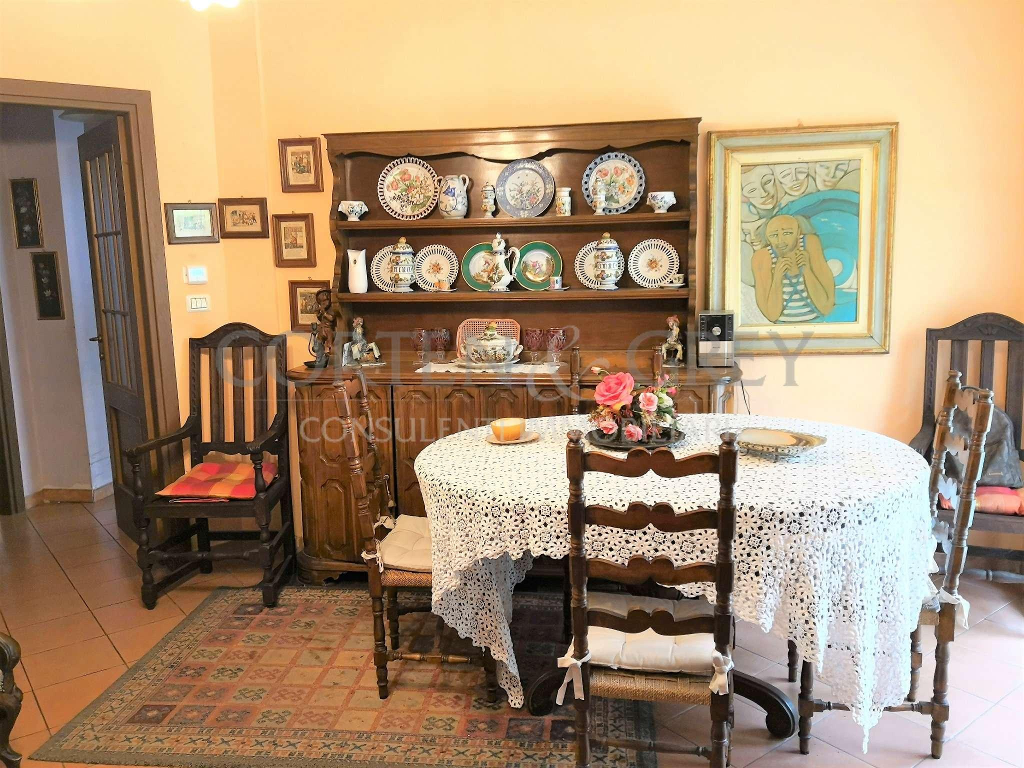 Appartamento in buone condizioni in vendita Rif. 6601786