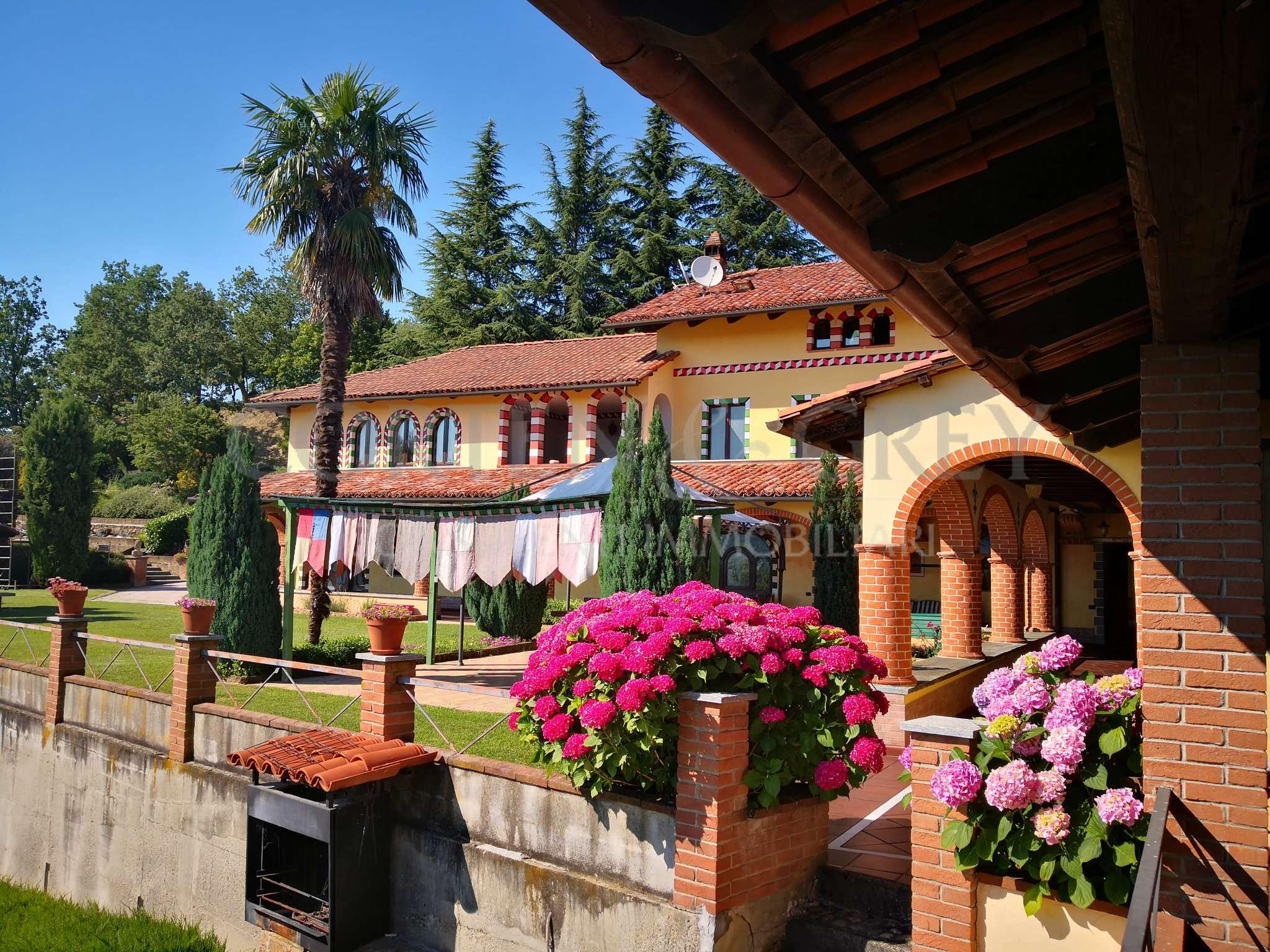 Villa ristrutturato in vendita Rif. 8779160