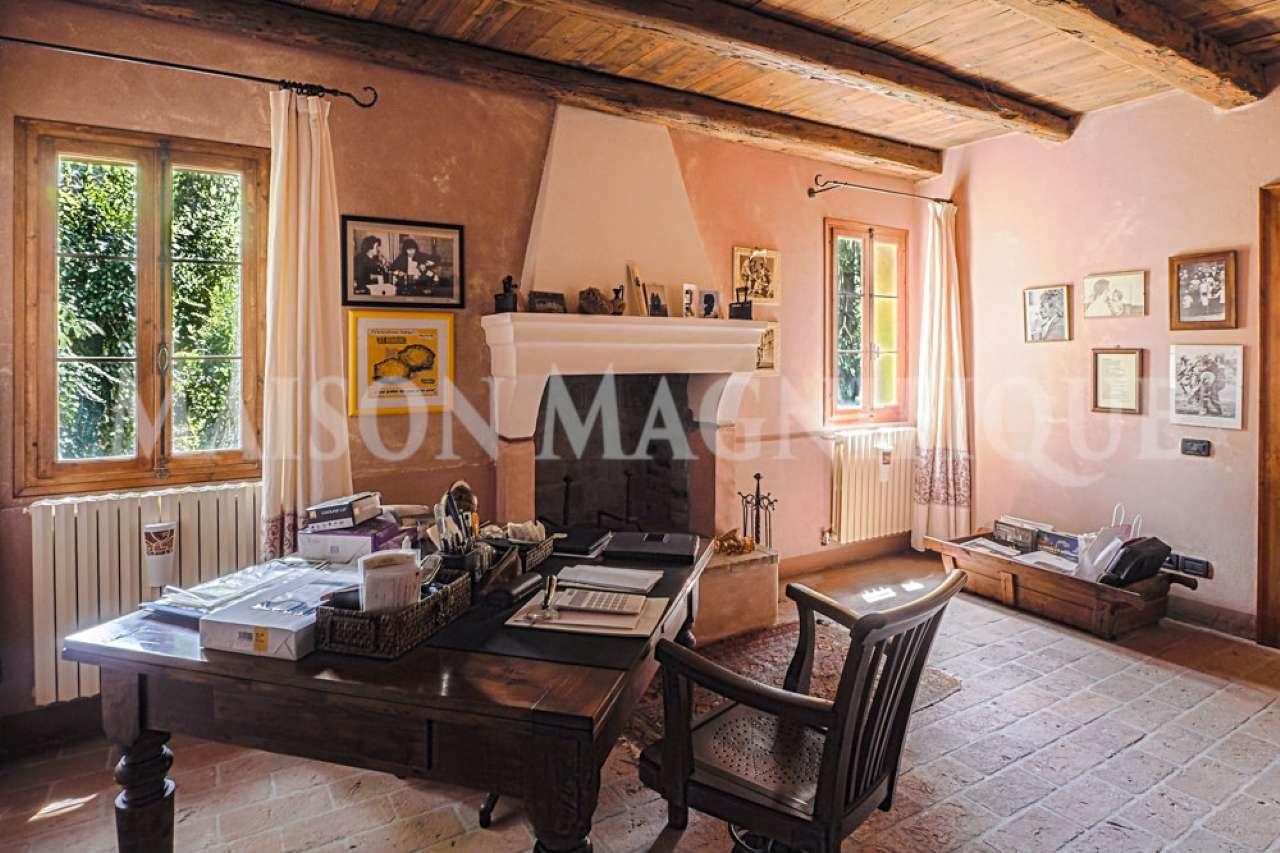 Villa in vendita a Crespino, 6 locali, prezzo € 554.000   CambioCasa.it
