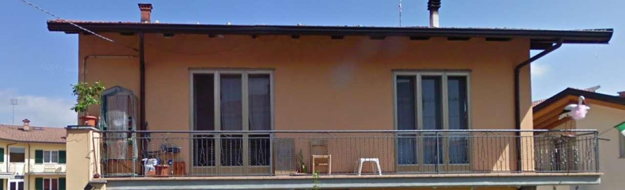 Appartamento in discrete condizioni in vendita Rif. 7365226