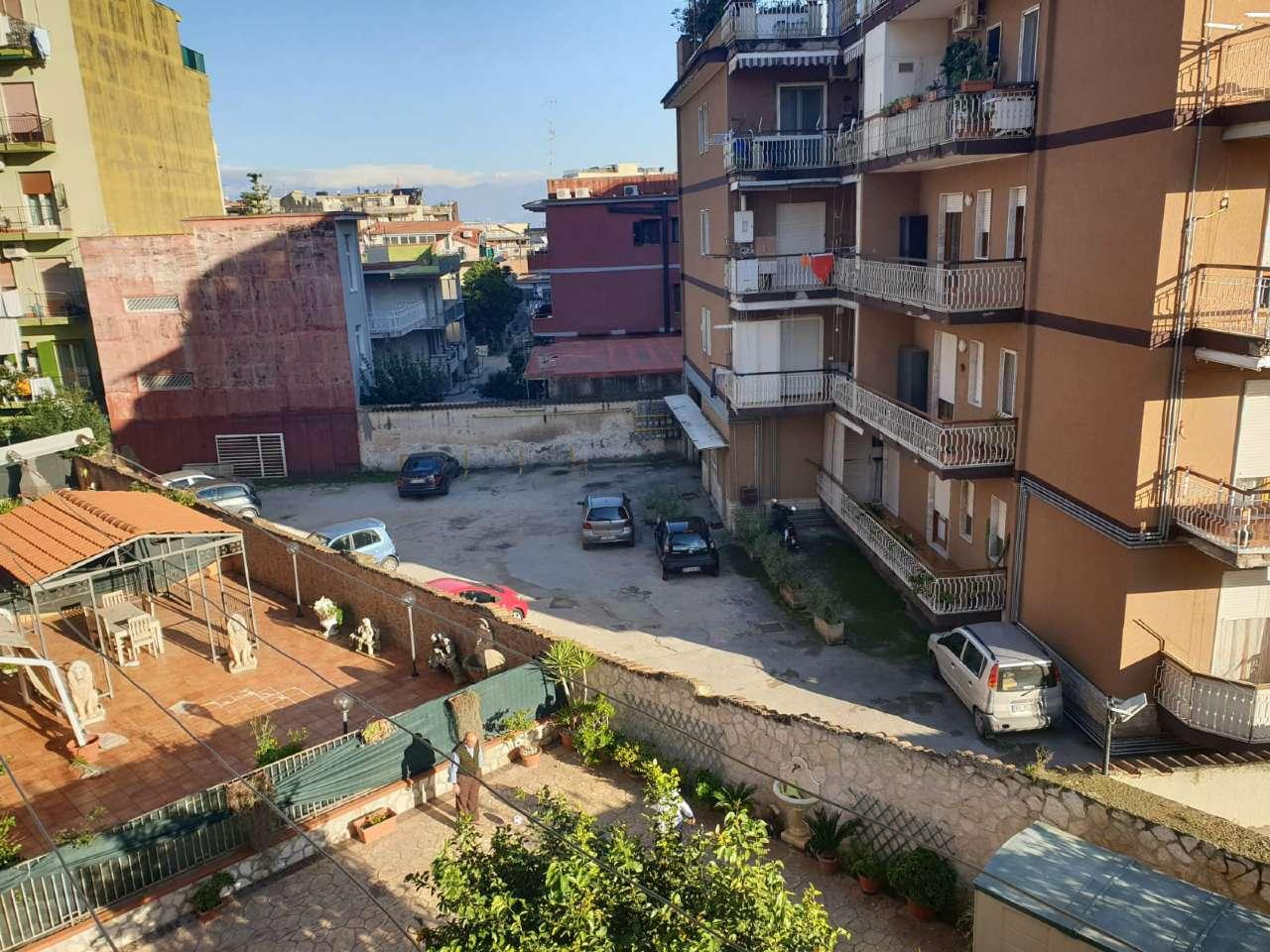 Appartamento in buone condizioni in affitto Rif. 8806974