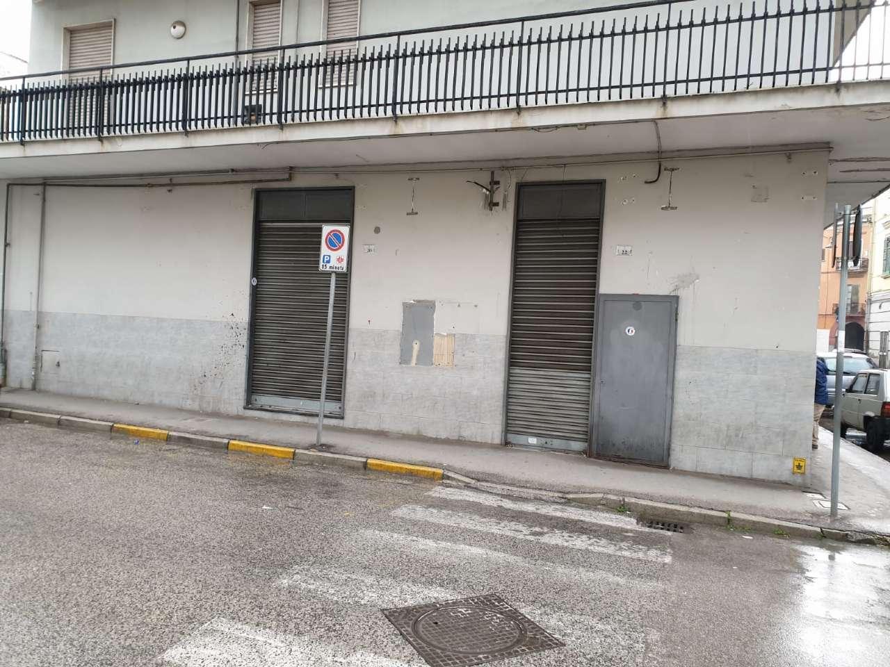 Negozio / Locale in affitto a Afragola, 3 locali, prezzo € 900 | CambioCasa.it