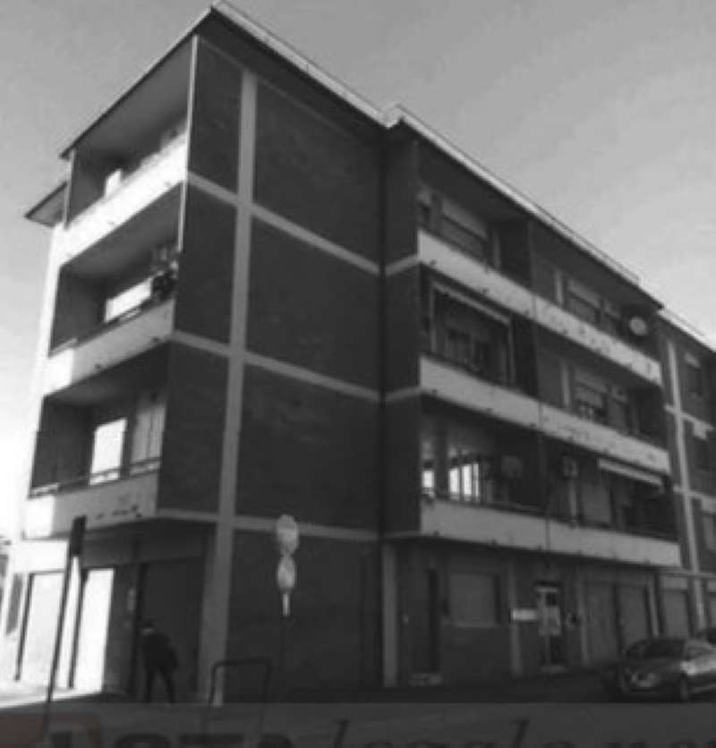 Appartamento in buone condizioni in vendita Rif. 8246999