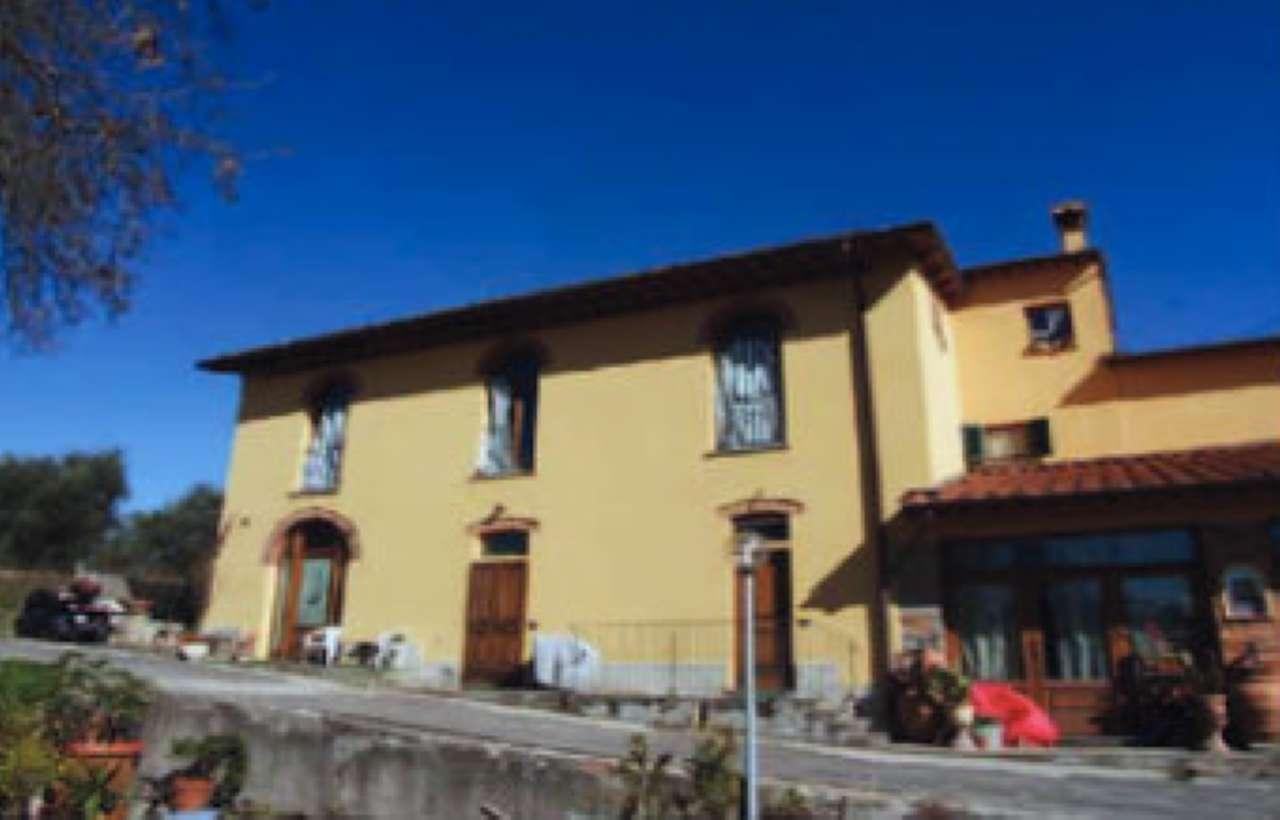 Appartamento in buone condizioni in vendita Rif. 9088143