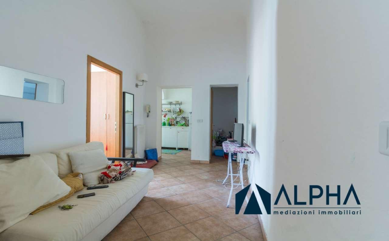 Stanza / posto letto ristrutturato arredato in affitto Rif. 7441361