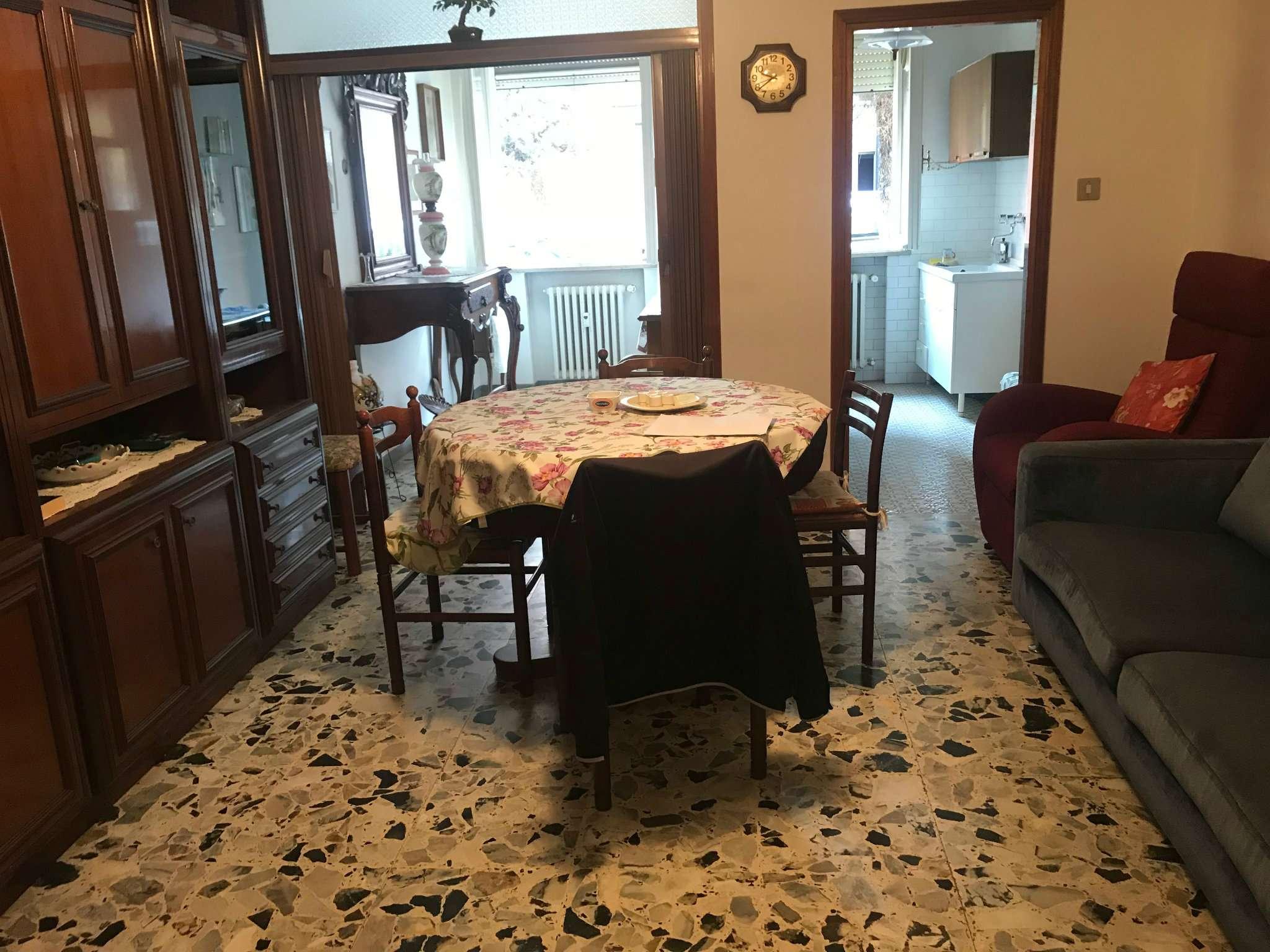 Appartamento in vendita a Cesena, 3 locali, prezzo € 120.000 | CambioCasa.it
