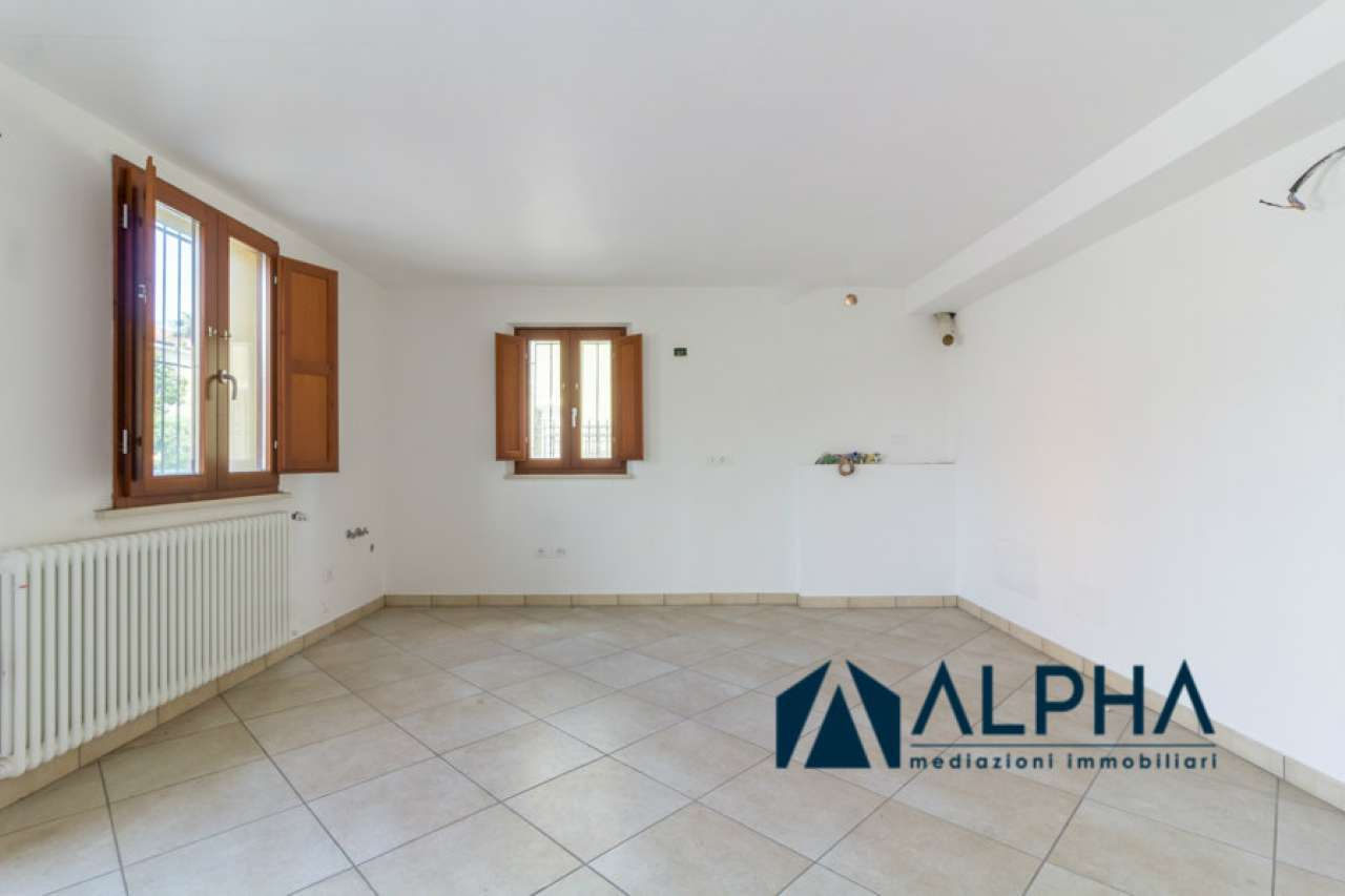 Appartamento in vendita a Cesena, 3 locali, prezzo € 154.000 | CambioCasa.it