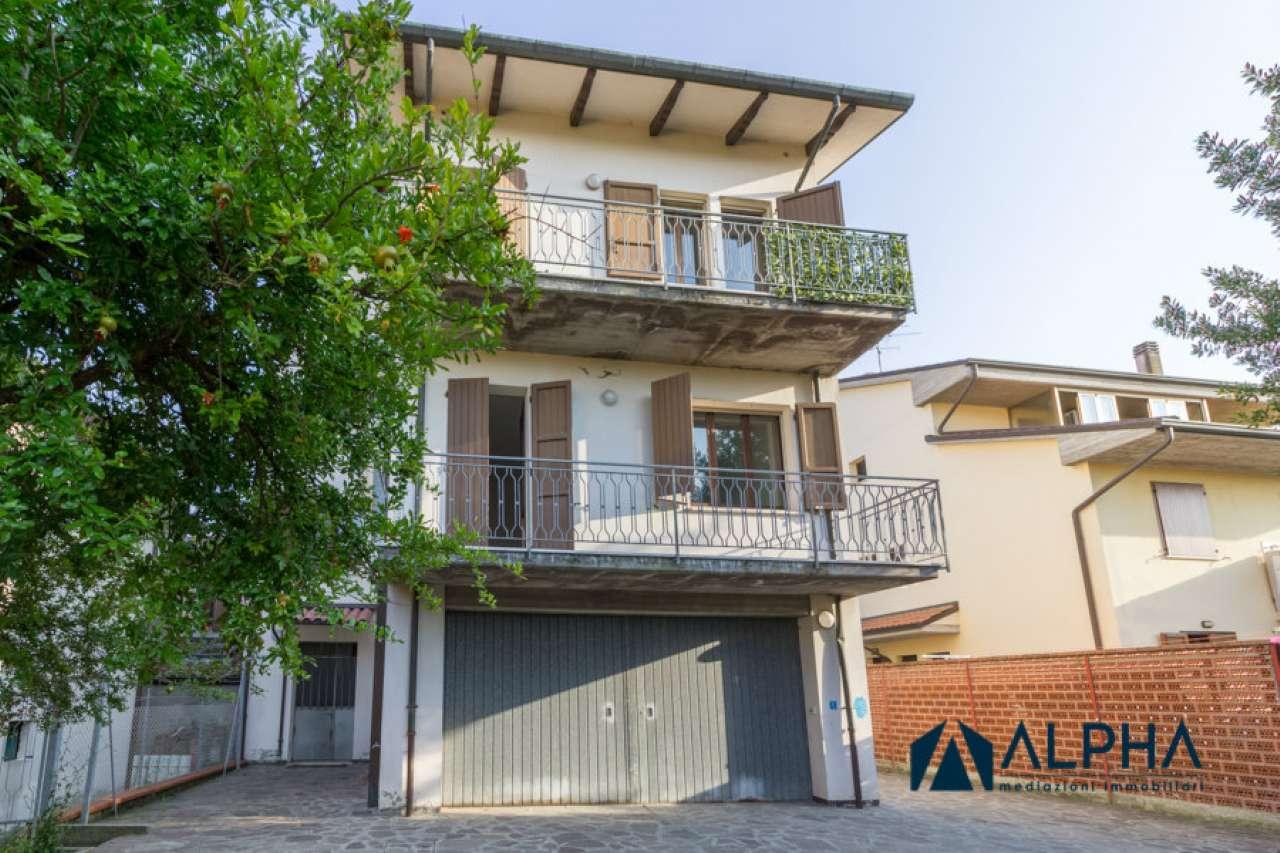 Soluzione Indipendente in vendita a Cesena, 5 locali, prezzo € 280.000 | CambioCasa.it