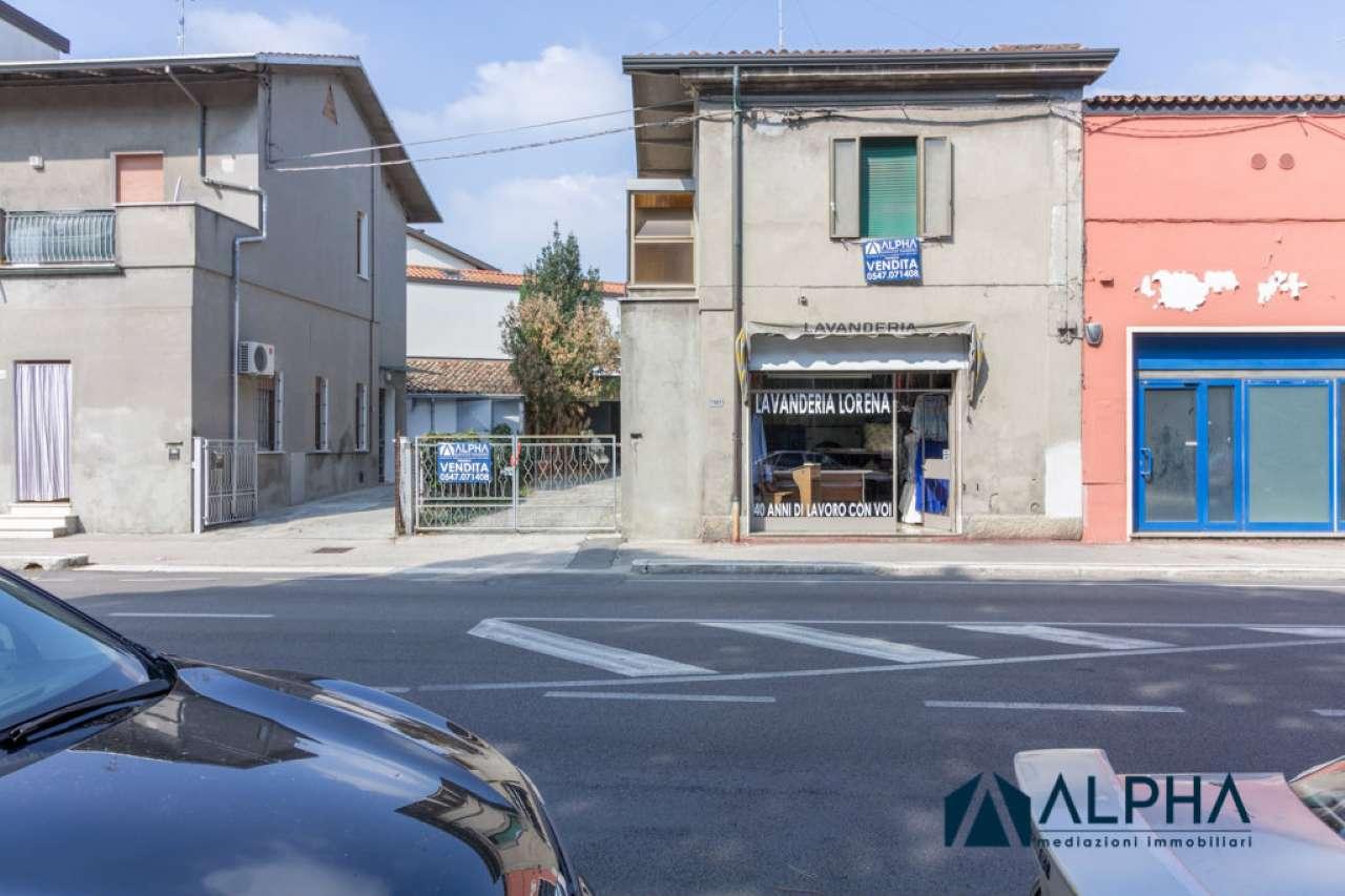 Palazzo / Stabile in vendita a Cesena, 4 locali, prezzo € 149.000 | CambioCasa.it