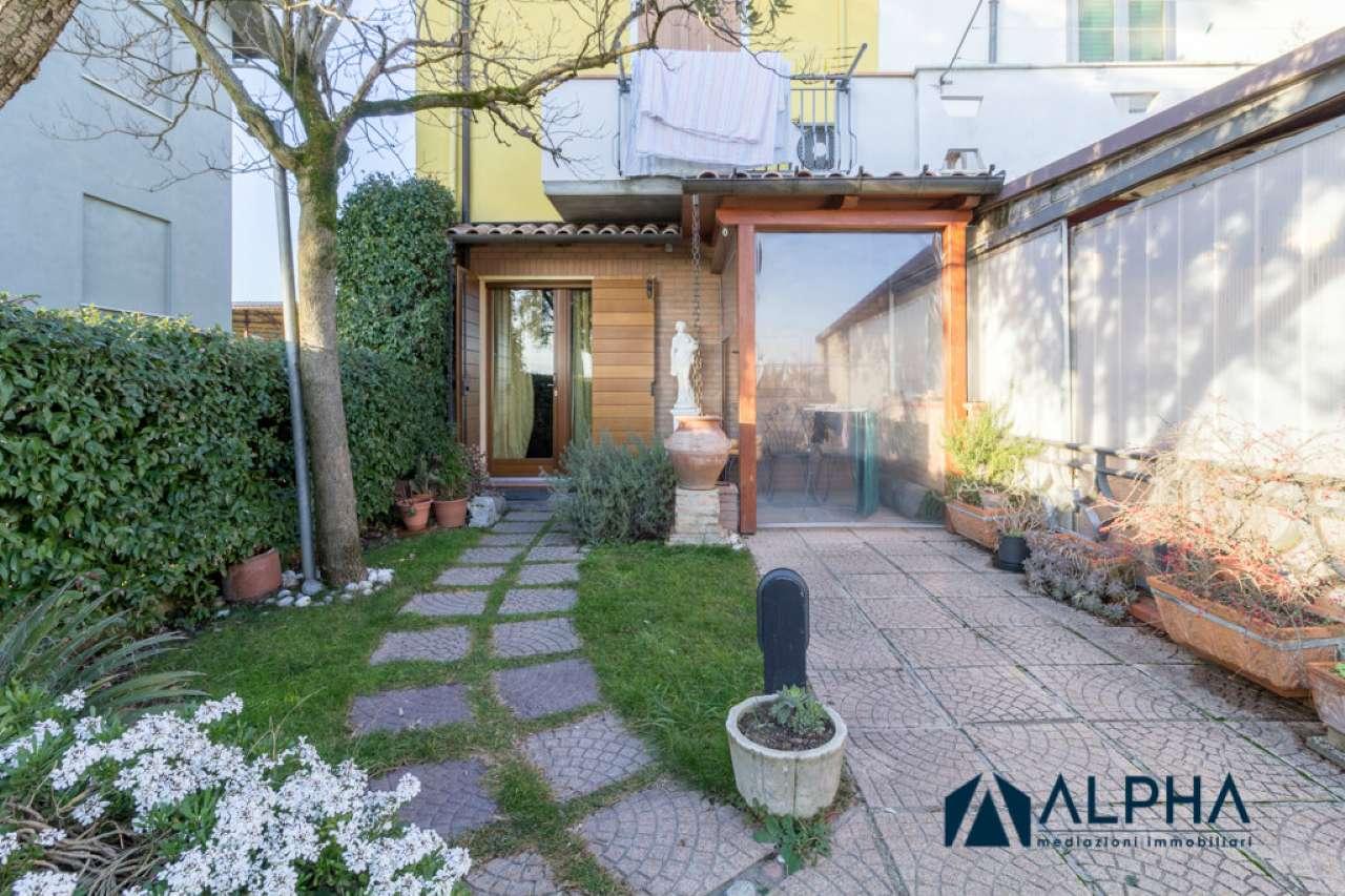Palazzo / Stabile in vendita a Cesena, 4 locali, prezzo € 200.000 | CambioCasa.it