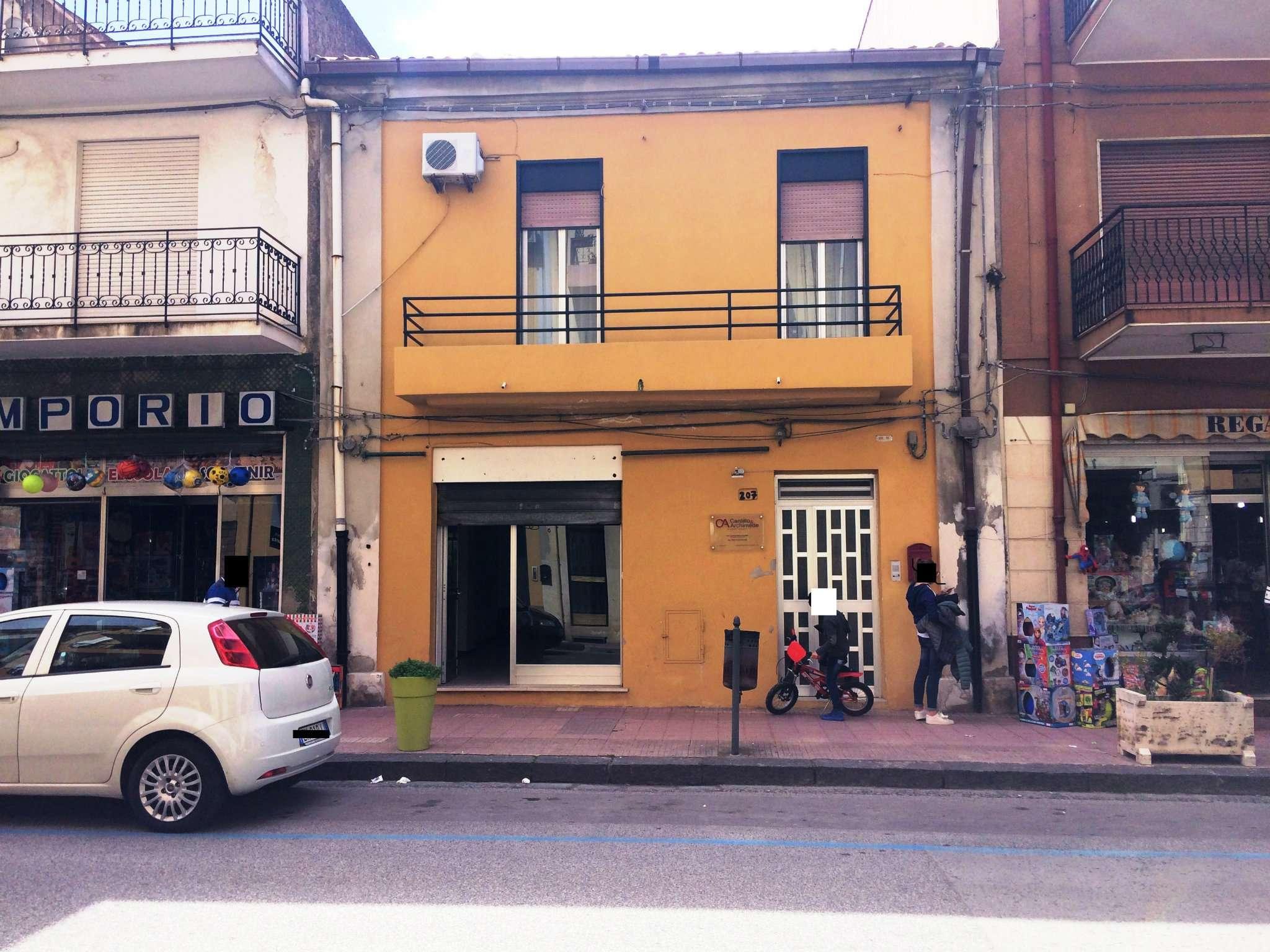 Negozio / Locale in affitto a Spadafora, 9999 locali, prezzo € 500 | CambioCasa.it