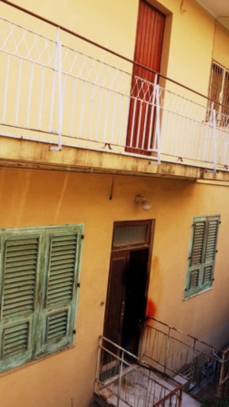 Casa Indipendente in buone condizioni parzialmente arredato in vendita Rif. 8039508