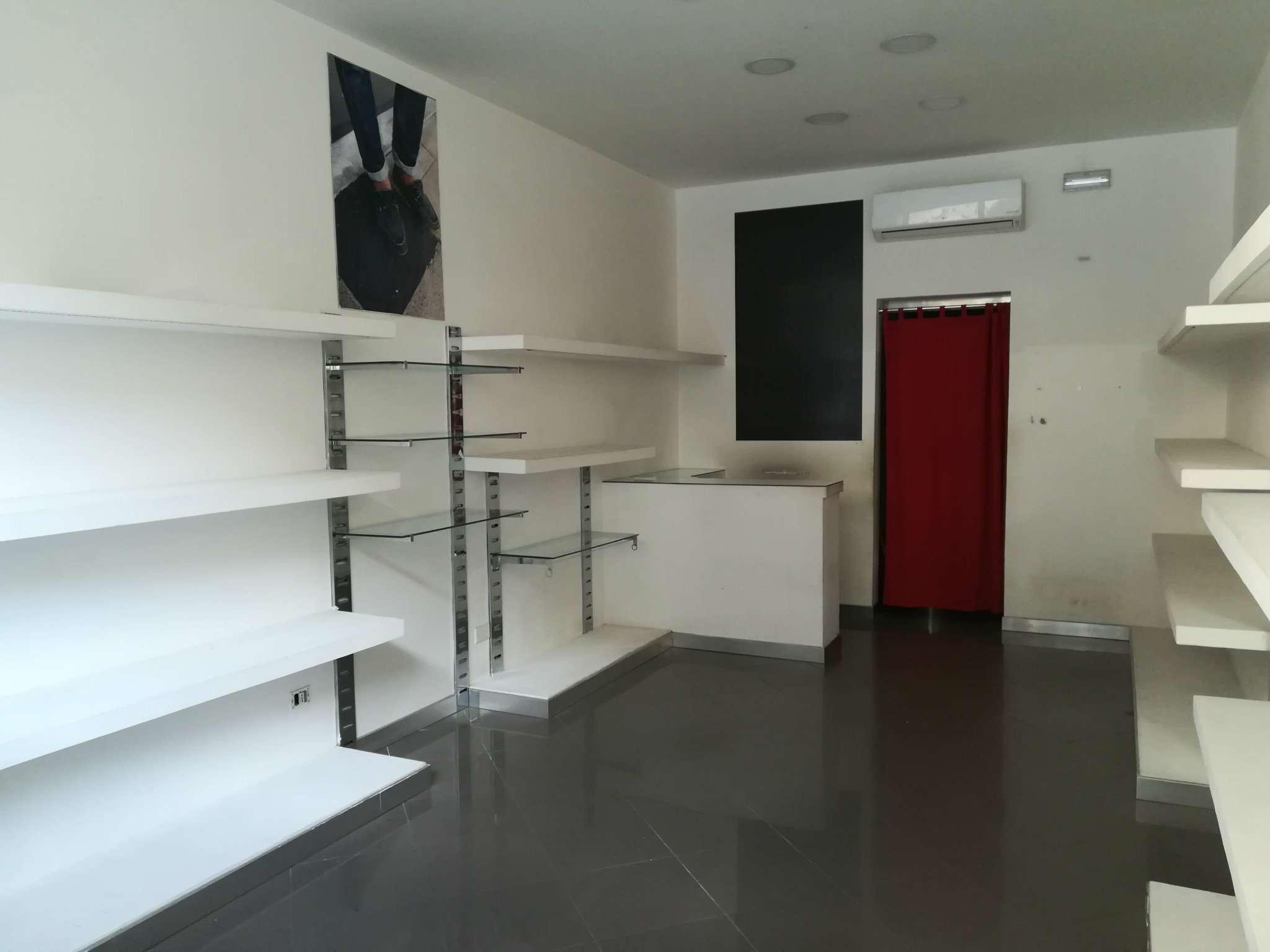 Attività commerciale in affitto Rif. 9001888