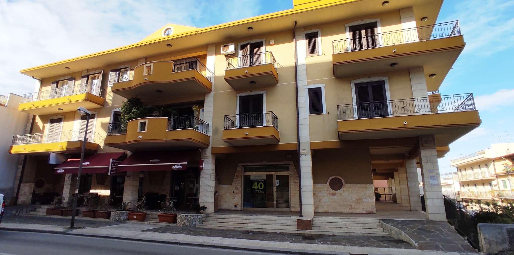 Appartamento in vendita a Rometta, 8 locali, prezzo € 220.000 | PortaleAgenzieImmobiliari.it