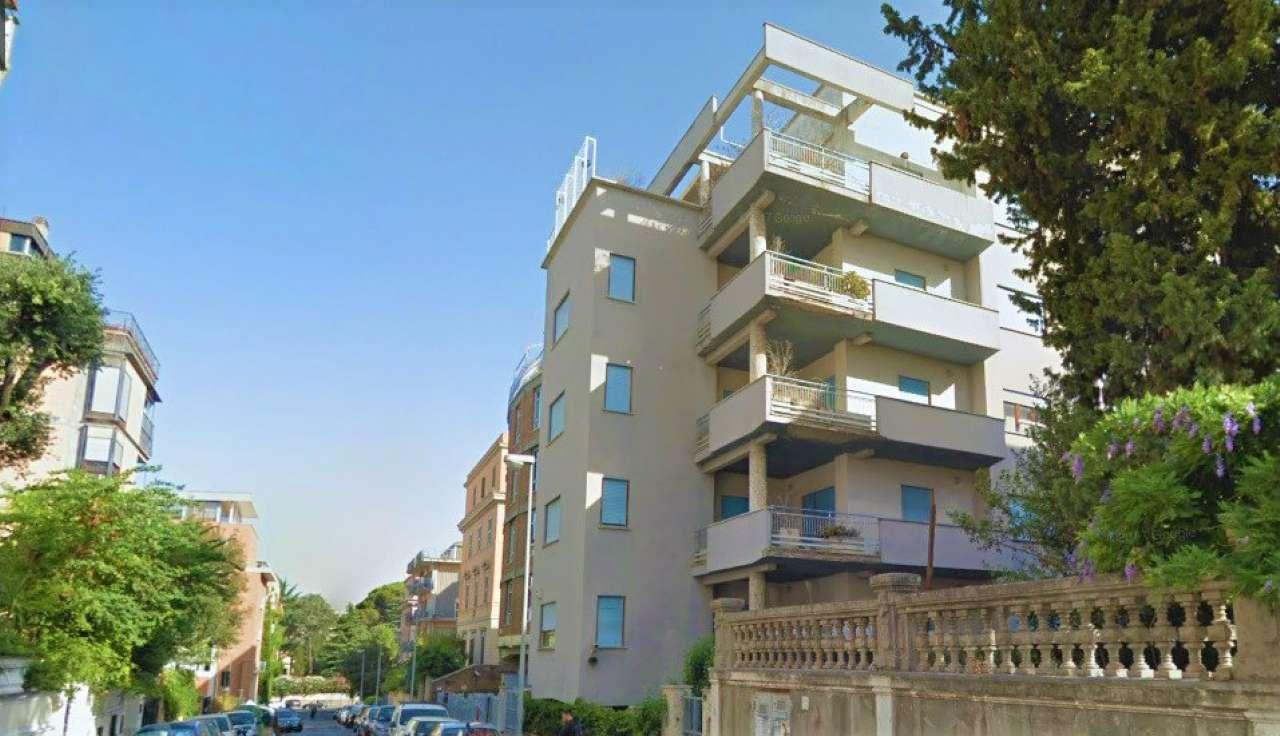Appartamento in ottime condizioni parzialmente arredato in affitto Rif. 7379512