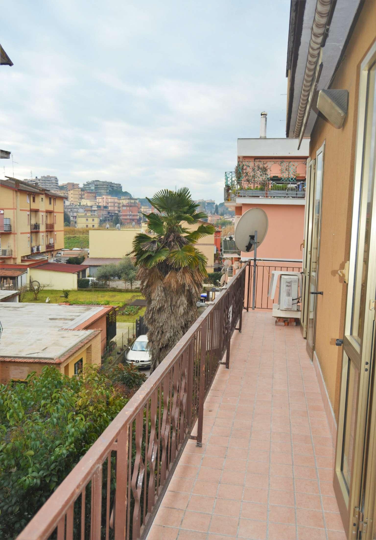 Appartamento in vendita a Roma, 3 locali, zona Zona: 33 . Quarto Casale, Labaro, Valle Muricana, Prima Porta, prezzo € 160.000 | CambioCasa.it