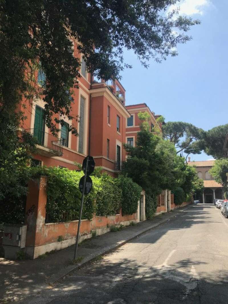 Appartamento in vendita a Roma, 10 locali, zona Zona: 17 . Aventino, San Saba , Piramide, prezzo € 1.550.000 | CambioCasa.it