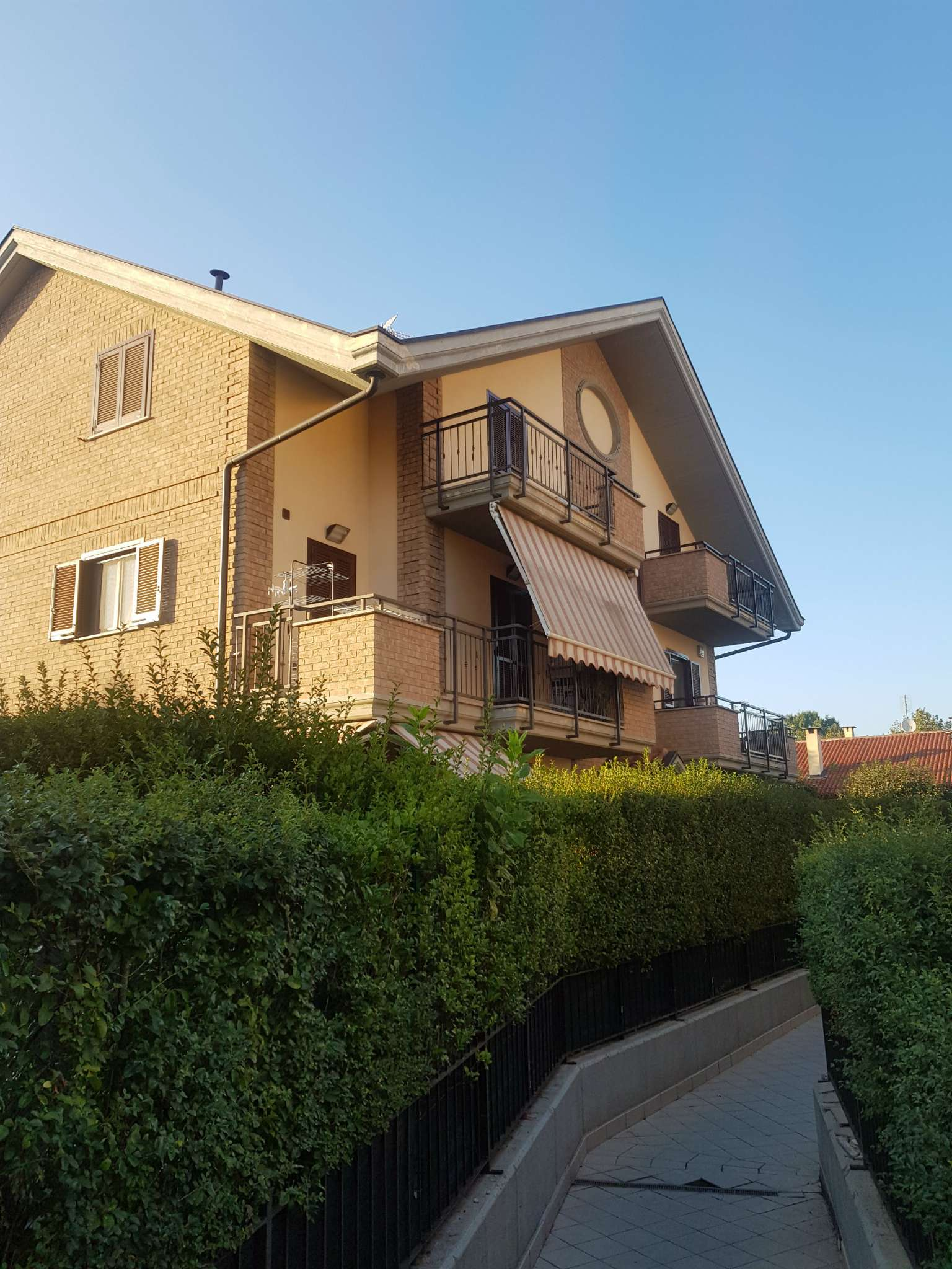 Appartamento in vendita a La Loggia, 4 locali, prezzo € 188.000 | CambioCasa.it