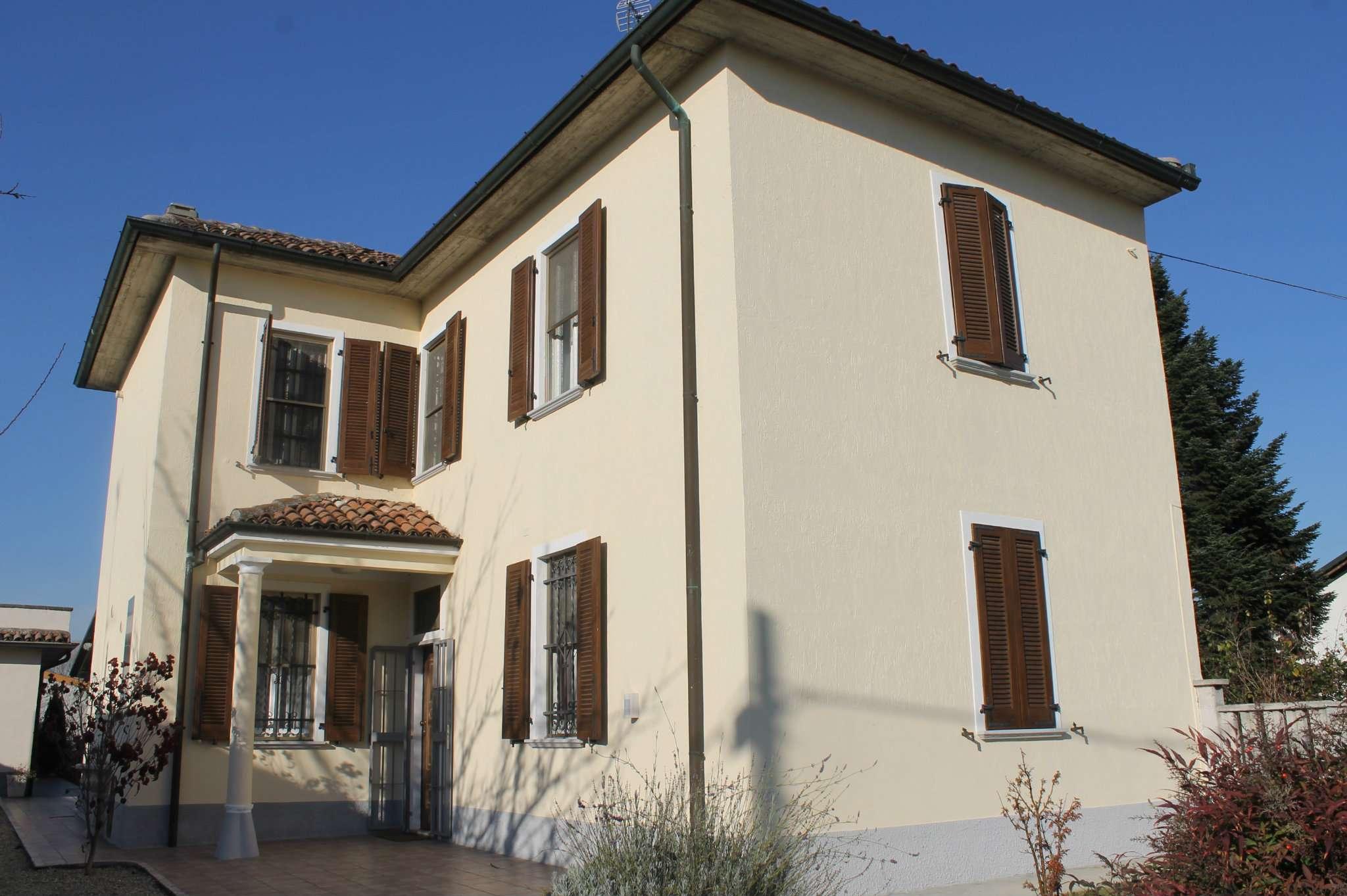 Villa in vendita a Dorno, 5 locali, prezzo € 195.000 | CambioCasa.it