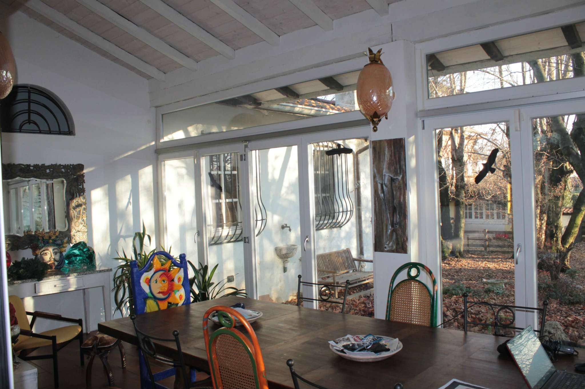 Villa in vendita a Dorno, 10 locali, prezzo € 330.000 | CambioCasa.it
