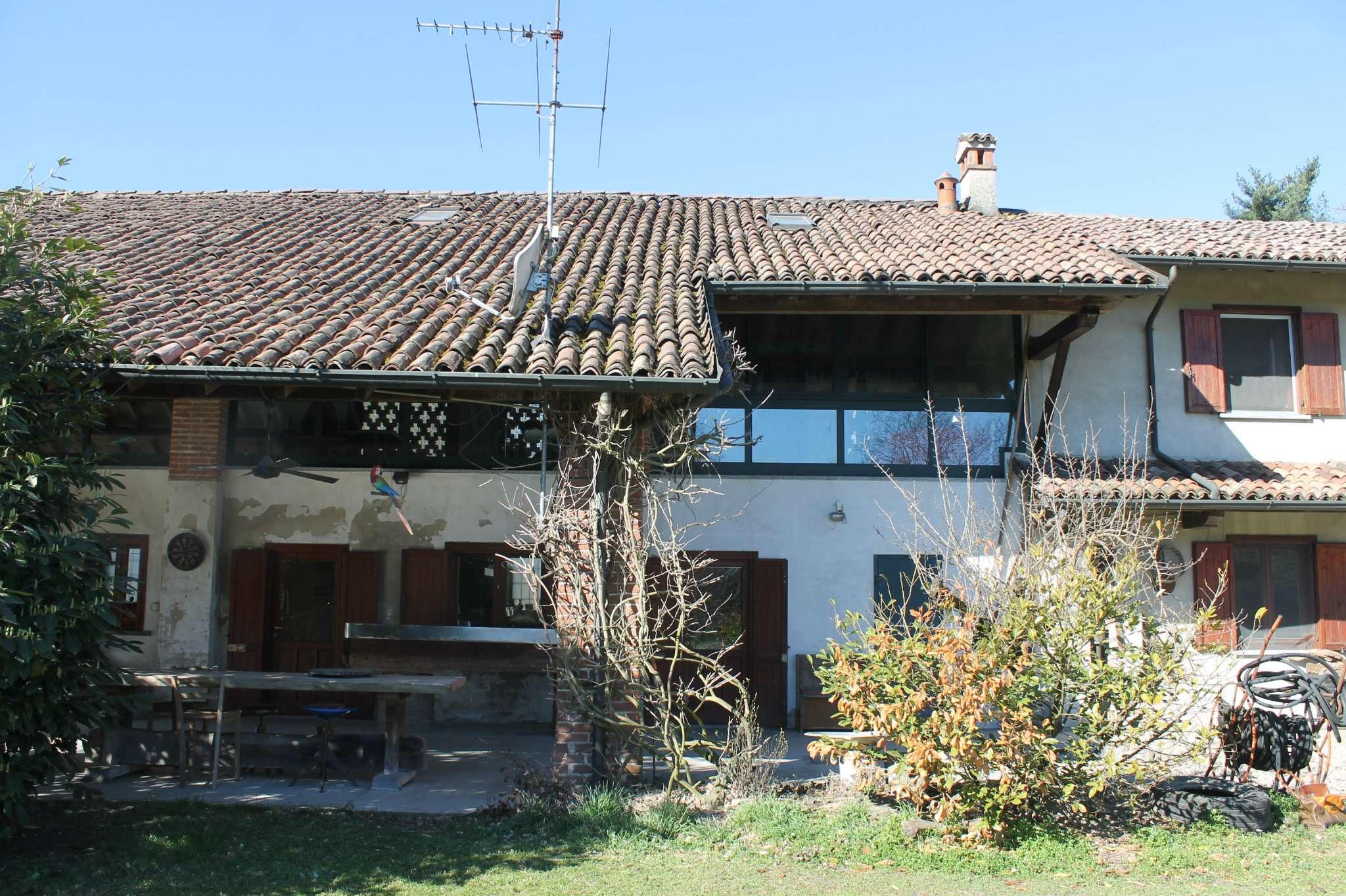 Rustico / Casale in vendita a Gropello Cairoli, 8 locali, prezzo € 430.000 | PortaleAgenzieImmobiliari.it