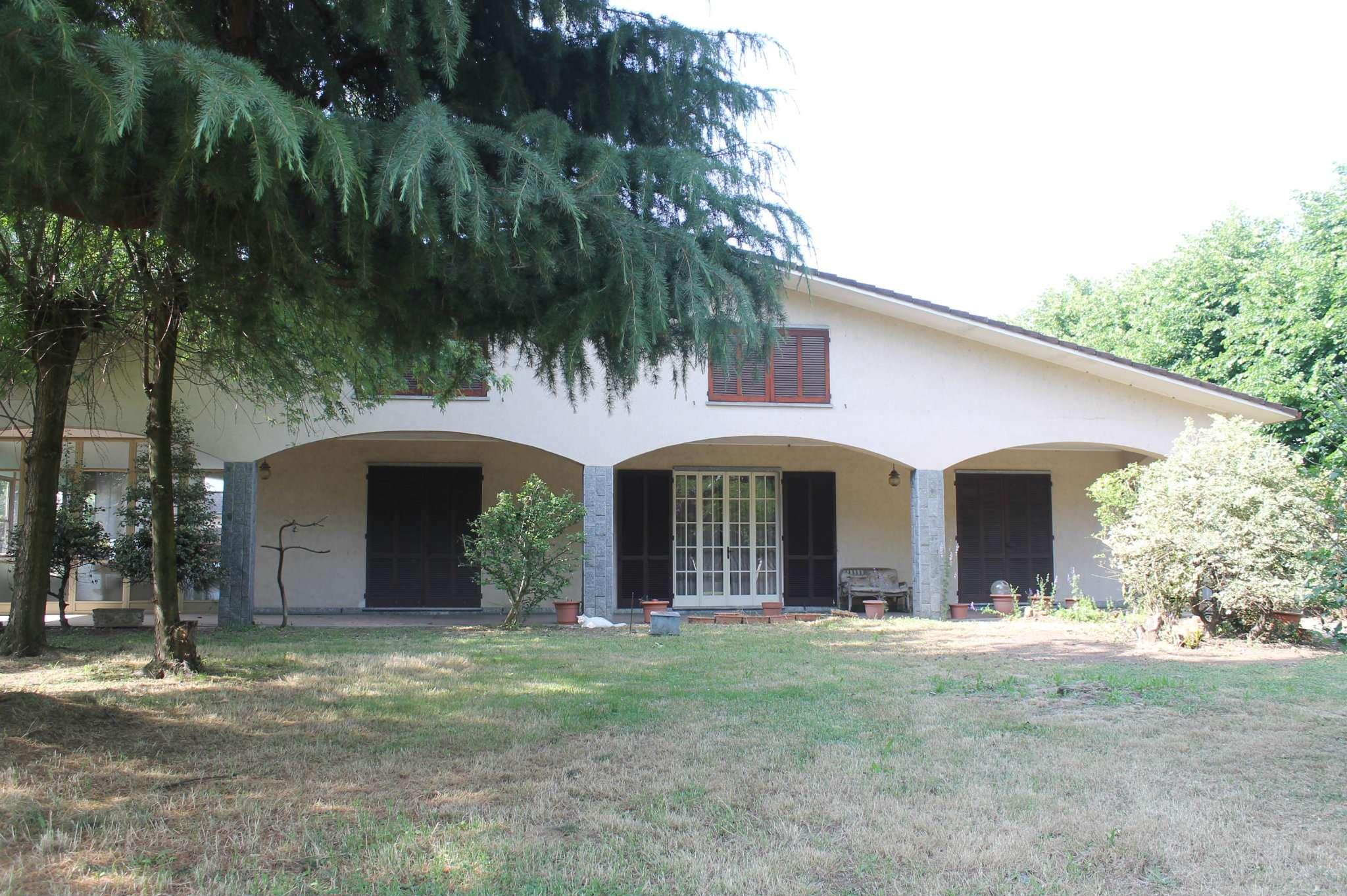 Villa in vendita a Dorno, 8 locali, prezzo € 262.000 | PortaleAgenzieImmobiliari.it