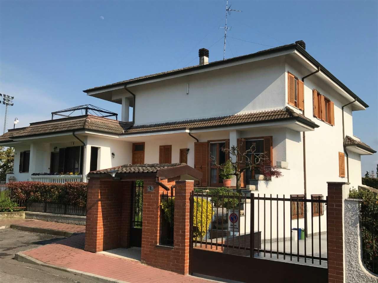 Villa in vendita a Assago, 5 locali, prezzo € 800.000   CambioCasa.it