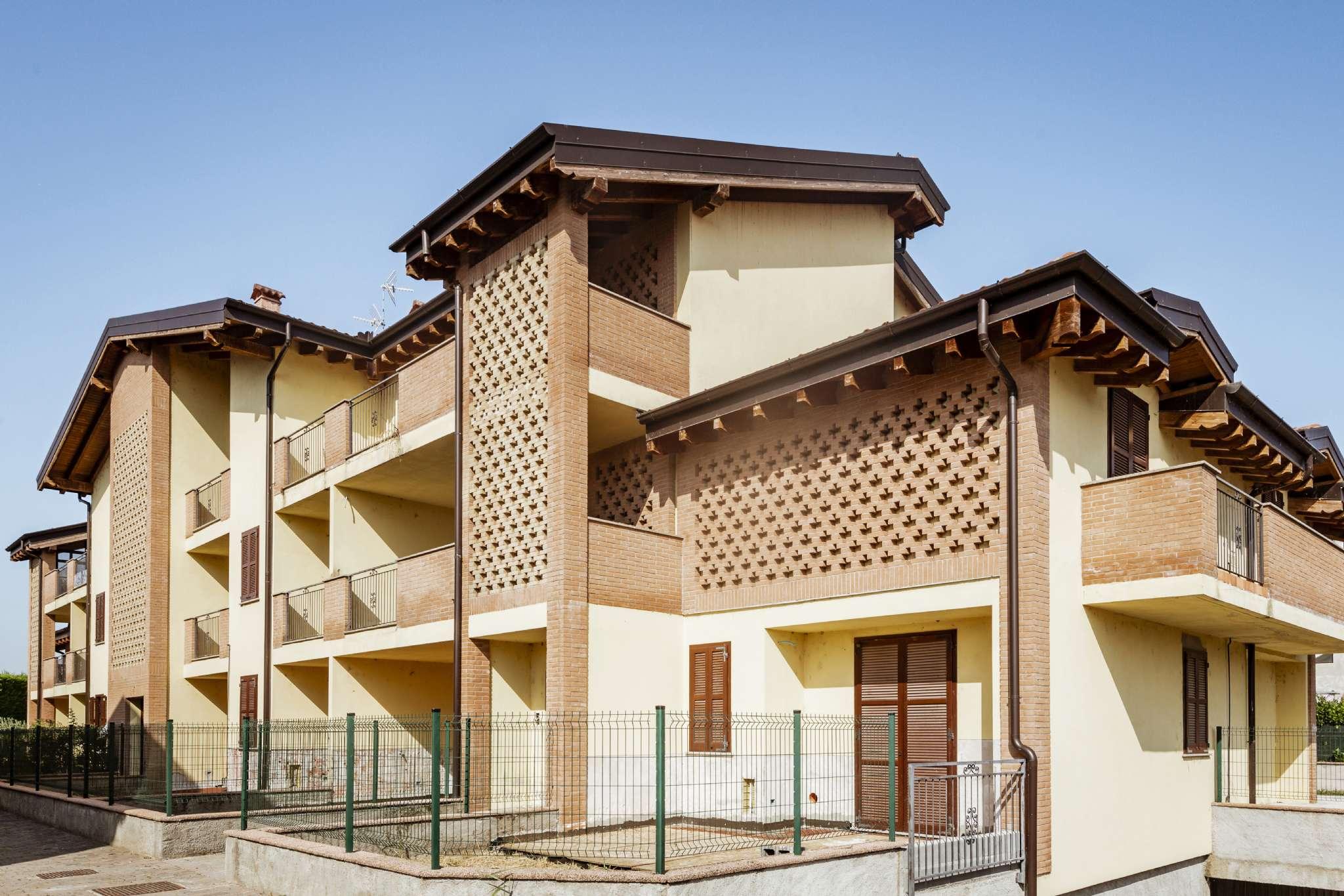 Appartamento in vendita a Certosa di Pavia, 2 locali, prezzo € 85.000 | PortaleAgenzieImmobiliari.it