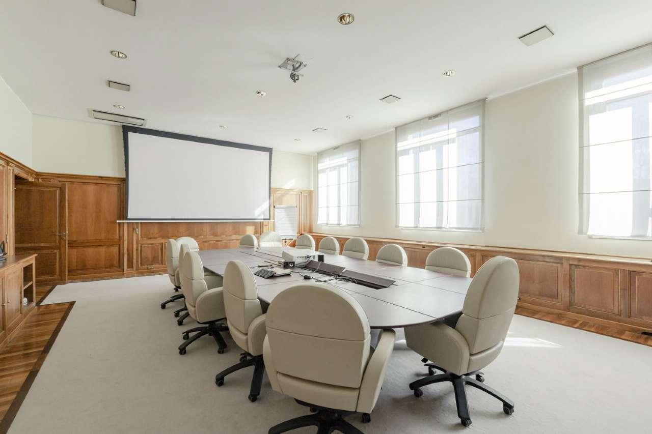 Immobile Commerciale in affitto a Sesto San Giovanni, 45 locali, prezzo € 30.000 | PortaleAgenzieImmobiliari.it