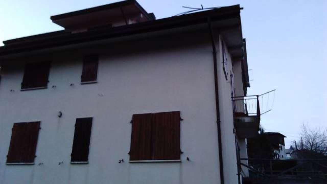 Appartamento in vendita a Monchio delle Corti, 3 locali, prezzo € 42.000 | PortaleAgenzieImmobiliari.it