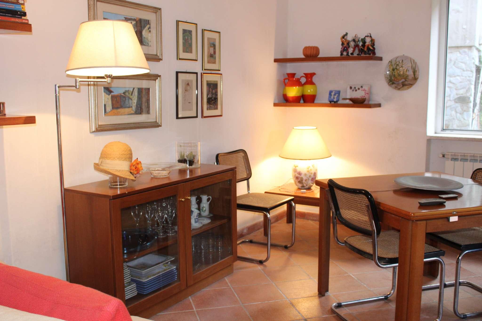 Porzione di casa in buone condizioni parzialmente arredato in vendita Rif. 8495855