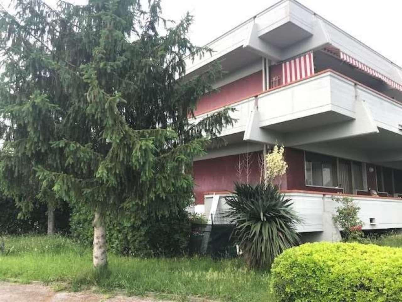 Porzione di casa in buone condizioni parzialmente arredato in vendita Rif. 8722297