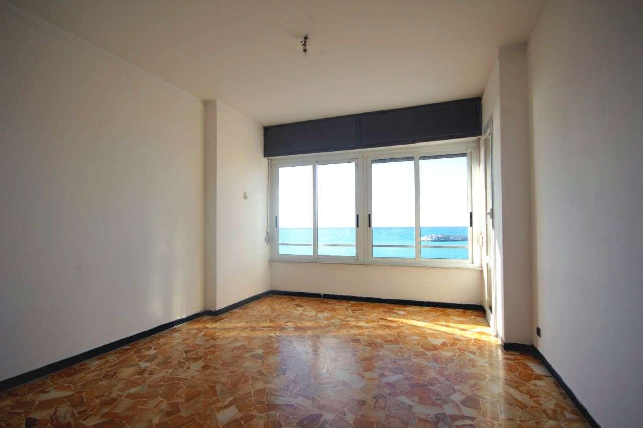 Appartamento in affitto a Lavagna, 4 locali, prezzo € 700 | CambioCasa.it