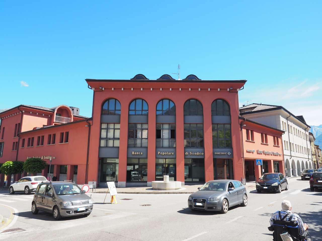 Ufficio in affitto a Colico - Centrale