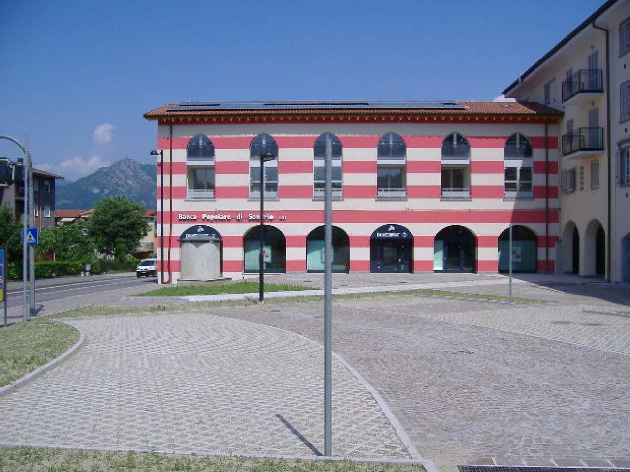 Ufficio in vendita a Calolziocorte - Semicentrale