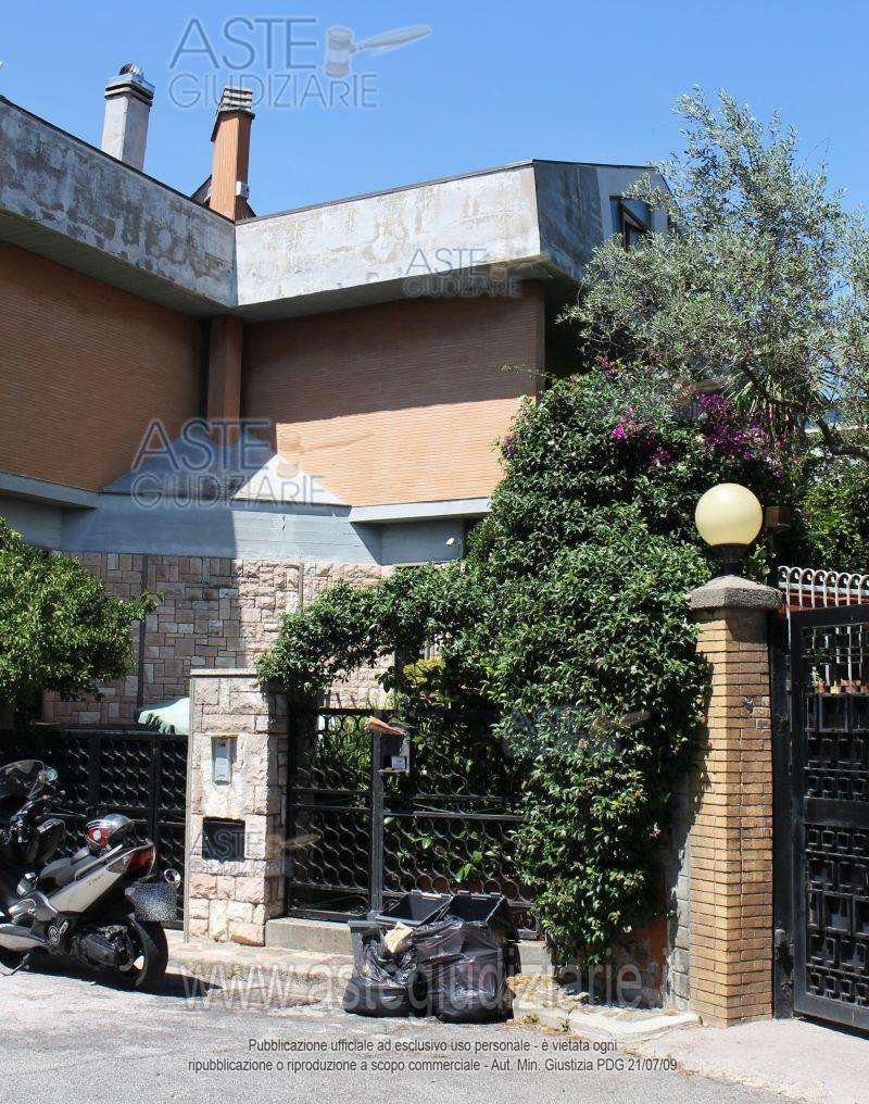 Porzione di casa in vendita a Roma