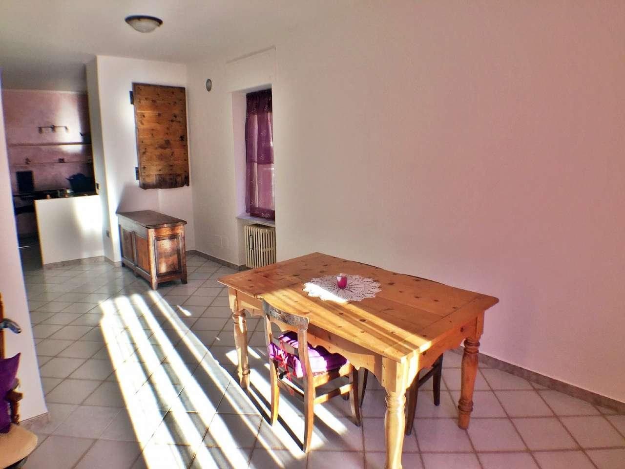 Appartamento in affitto a Villeneuve, 3 locali, prezzo € 450 | CambioCasa.it