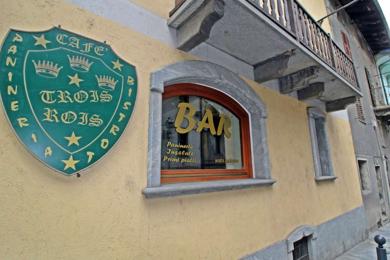 Attività / Licenza in vendita a Chatillon, 6 locali, prezzo € 1.400 | CambioCasa.it