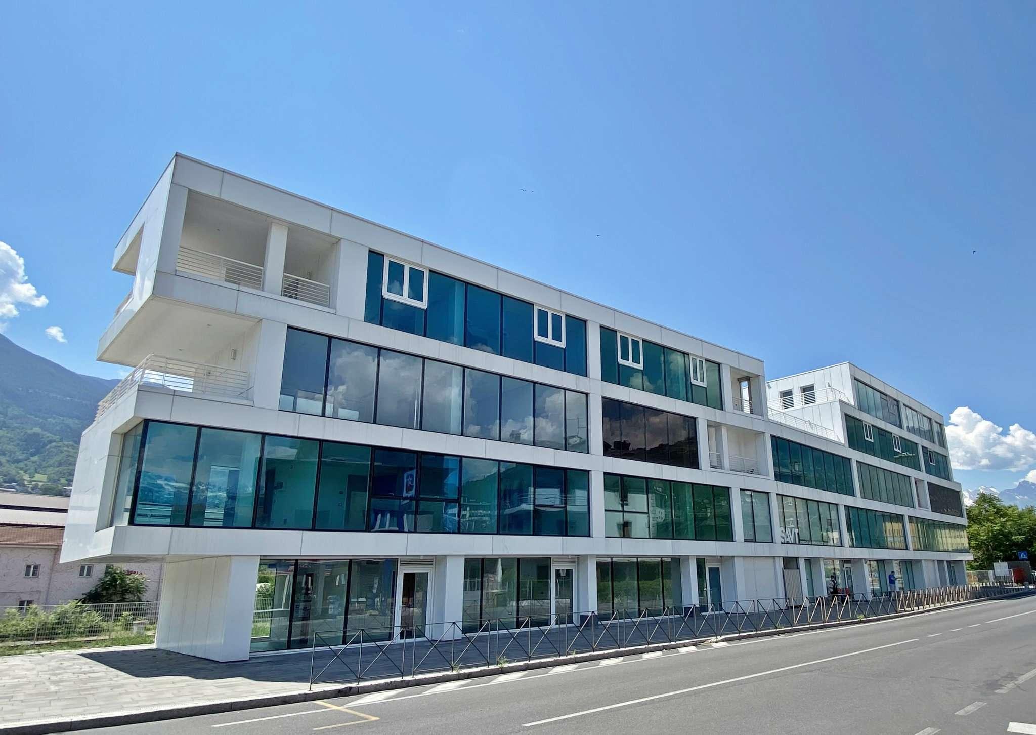 Appartamento in vendita a Aosta, 4 locali, prezzo € 320.000 | CambioCasa.it