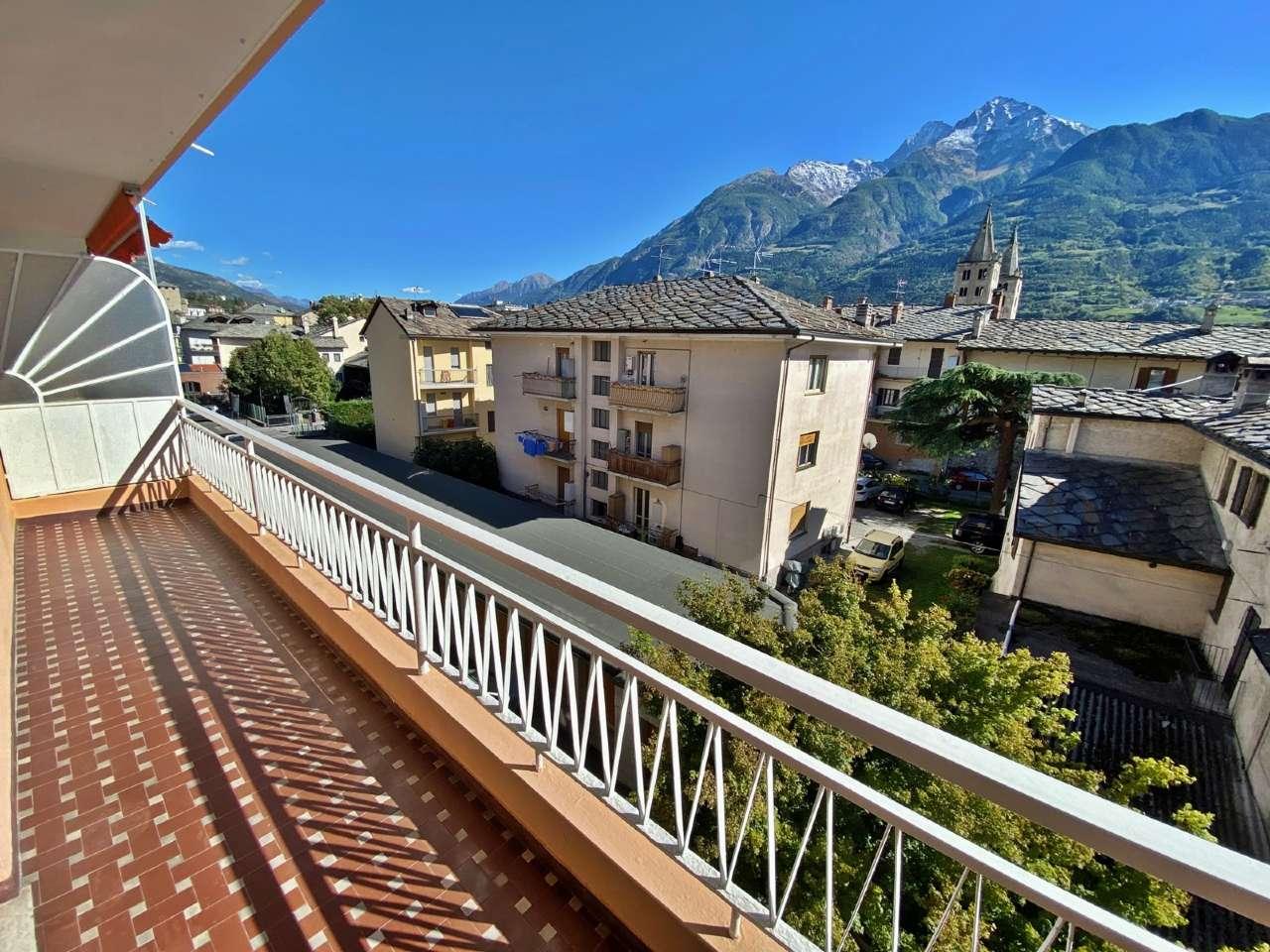 Appartamento in affitto a Aosta, 5 locali, prezzo € 820 | PortaleAgenzieImmobiliari.it