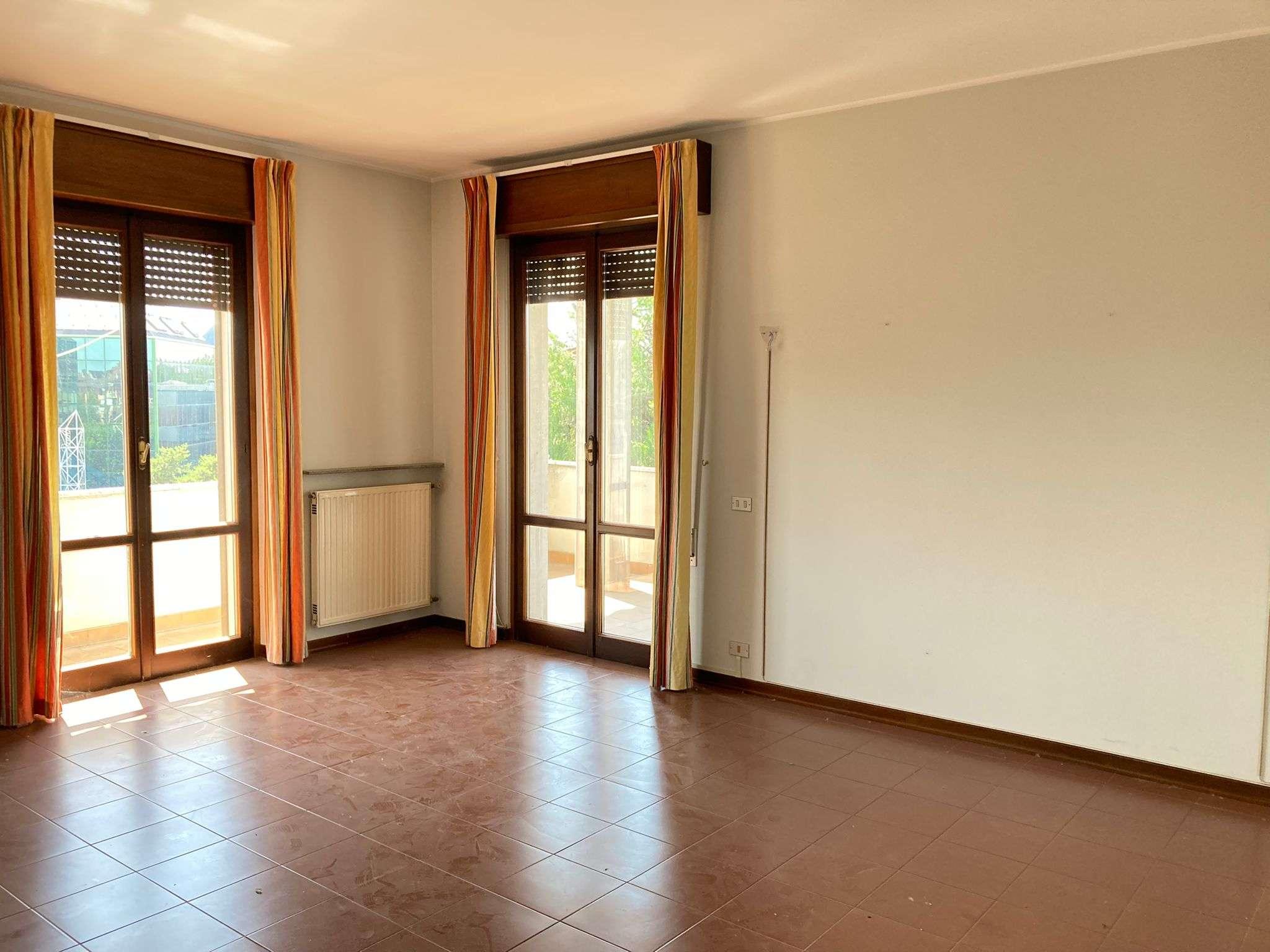 Appartamento in vendita a Cadeo, 3 locali, prezzo € 98.000 | PortaleAgenzieImmobiliari.it