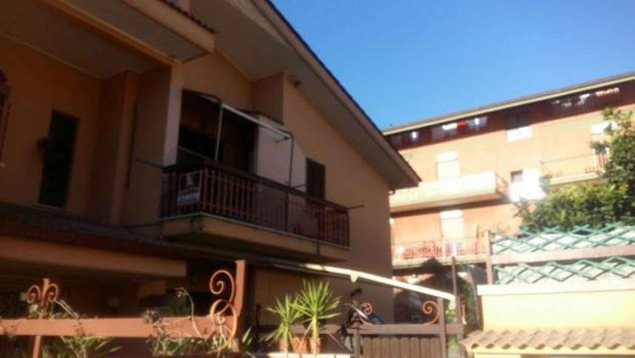 Appartamento in buone condizioni arredato in affitto Rif. 5312969