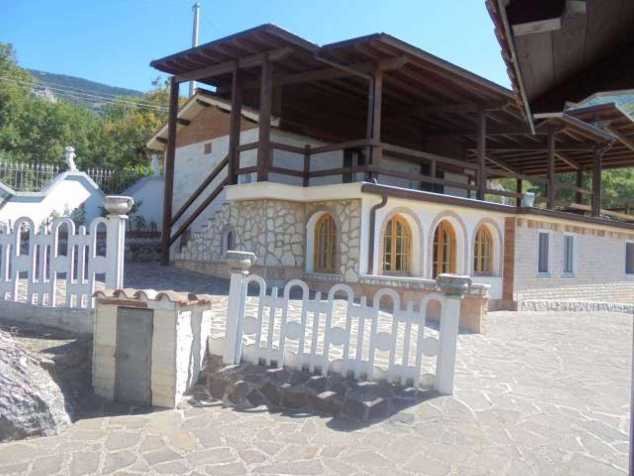 Villa in vendita a Subiaco, 9999 locali, prezzo € 320.000 | CambioCasa.it